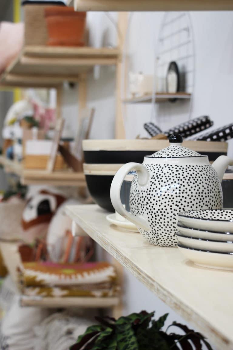 Céramiques vendues dans le magasin Bouche Bée