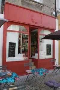 Façade rouge du Ptit B'art à Cholet
