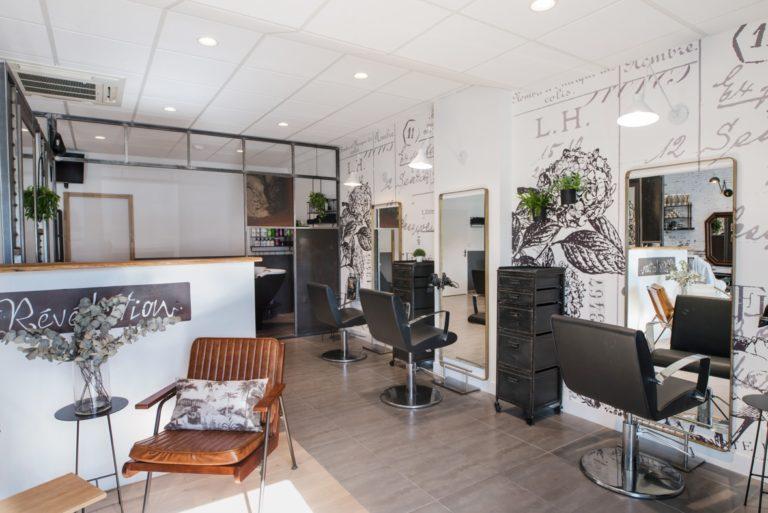 Vue d'ensemble du salon de coiffure Révélation